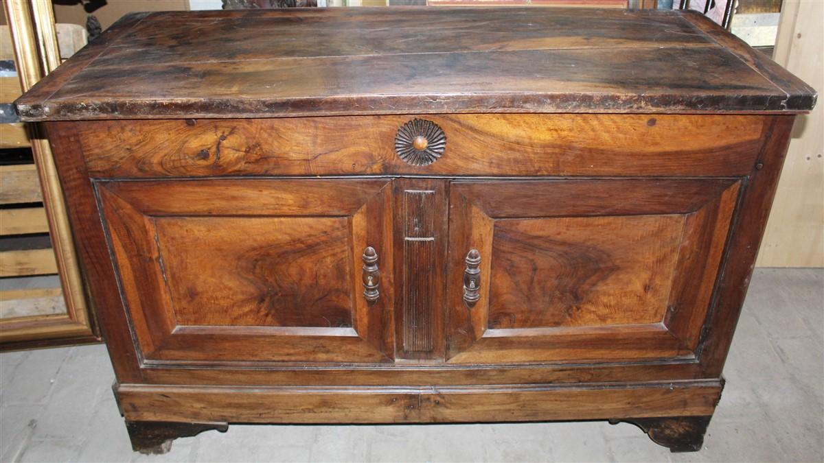Credenza Arte Povera Da Restaurare : Credenza madia legno noce massello da restaurare francia prima