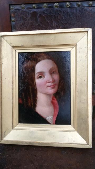 Pregevole ritratto di giovane donna, realizzato con olio su cartone in Inghilterra nell'800.