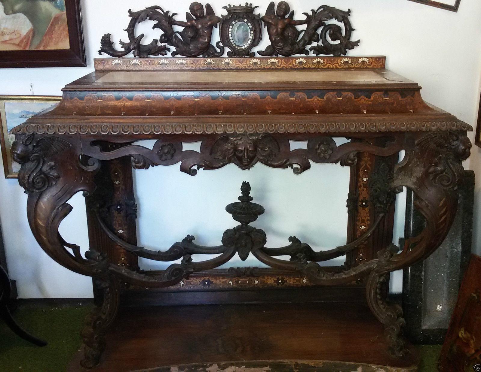 Console Luigi Filippo, lastronata in legno di noce e intarsi in avorio, madreperla e legni vari, con piano in marmo, realizzata a Firenze a metà '800, attribuibile a Luigi e Angiolo Falcini.