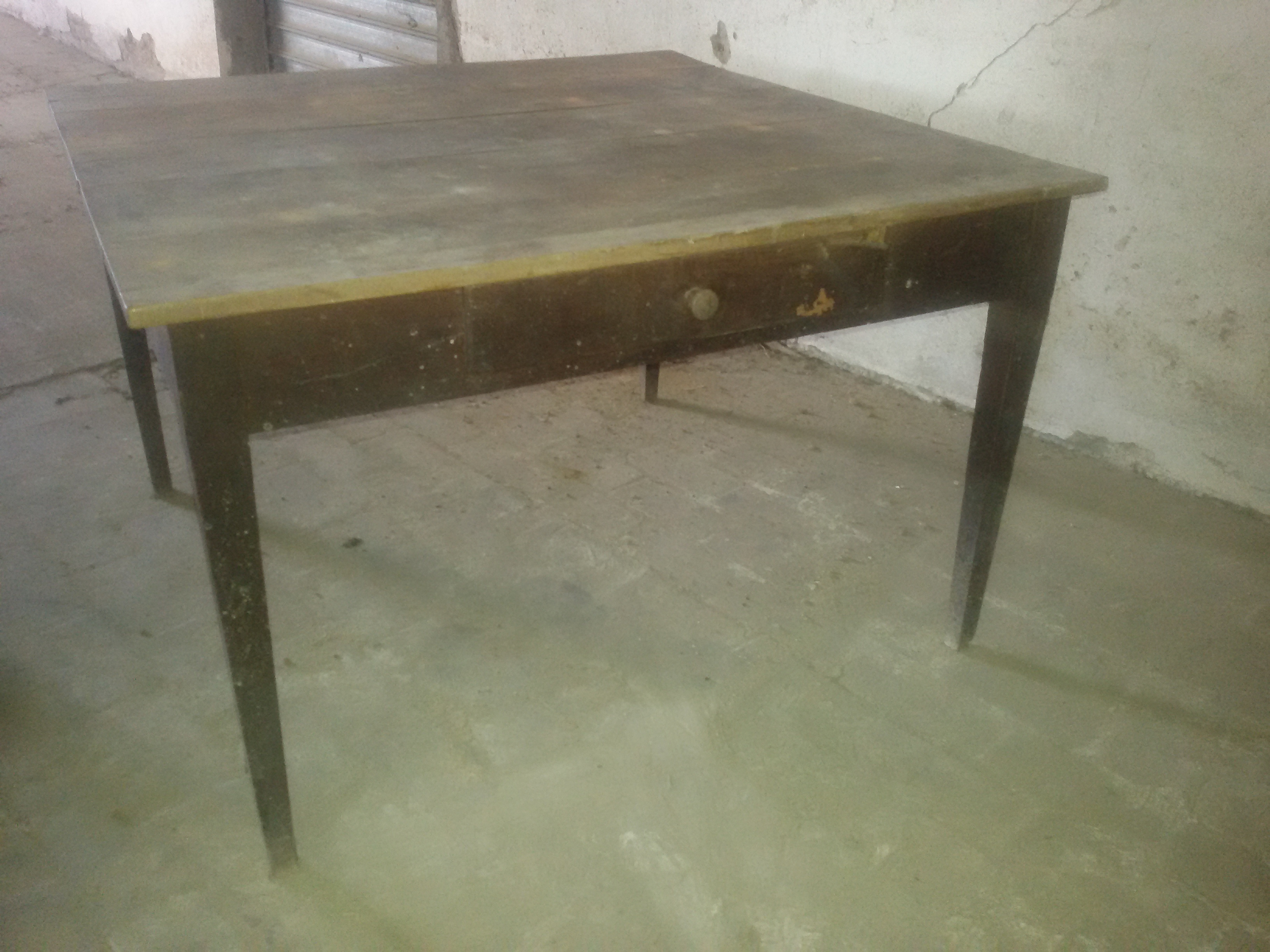 Tavolo quadrato legno di noce con cassetto - Umbria - primi \'800 ...