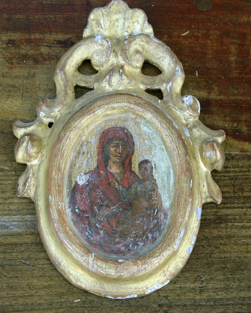 Bellissimo fondo oro in legno raffigurante Madonna con bambino, completamente originale, realizzato in Italia nei primi del '700.